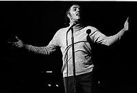 Gilles Vigneault en 1974 (date exacte inconnue)<br /> <br /> <br /> PHOTO D'ARCHIVE : Agence Quebec Presse - Alain Renaud