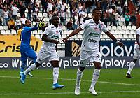 MANIZALES-COLOMBIA, 10-10-2019: Marcelino Carreazo de Once Caldas, celebra el tercer gol anotado al Atlético Bucaramanga, durante partido de la fecha 16 entre Once Caldas y Atlético Bucaramanga, por la Liga de Águila II 2019 en el estadio Palogrande en la ciudad de Manizales. / Marcelino Carreazo of Once Caldas, celebrates the third scored goal to Atlético Bucaramanga, during a match of the 16th date between Once Caldas and Atletico Bucaramanga, for the Aguila Leguaje II 2019 at the Palogrande stadium in Manizales city. Photo: VizzorImage  / Santiago Osorio / Cont.
