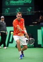 10-02-12, Netherlands,Tennis, Den Bosch, Daviscup Netherlands-Finland, Loting, Thiemo de Bakker