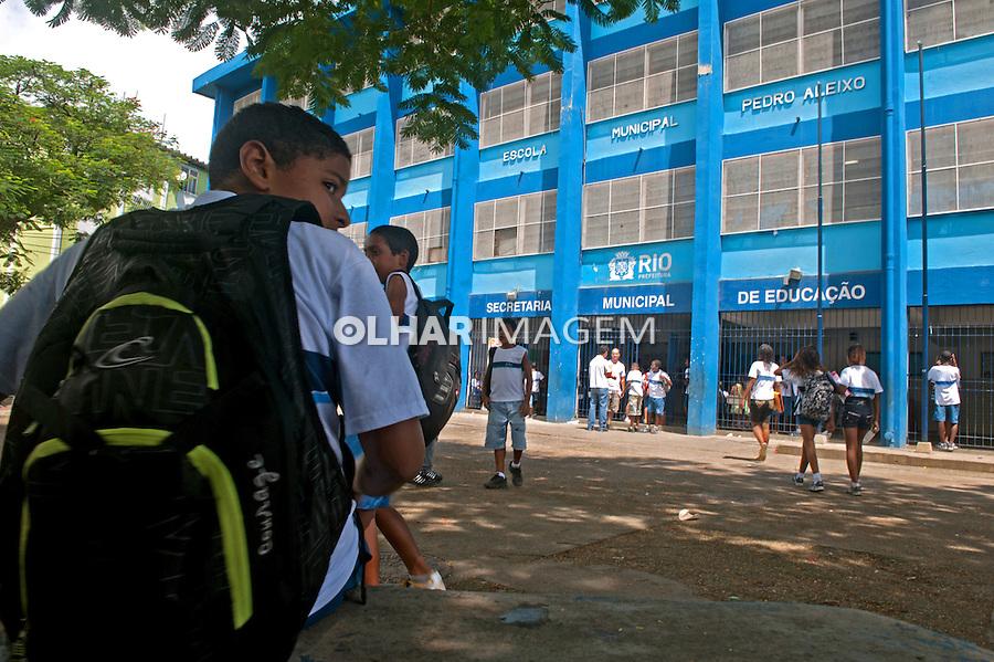 Escola municipal na favela Cidade de Deus. Rio de Janeiro. 2011. Foto de Luciana Whitaker.