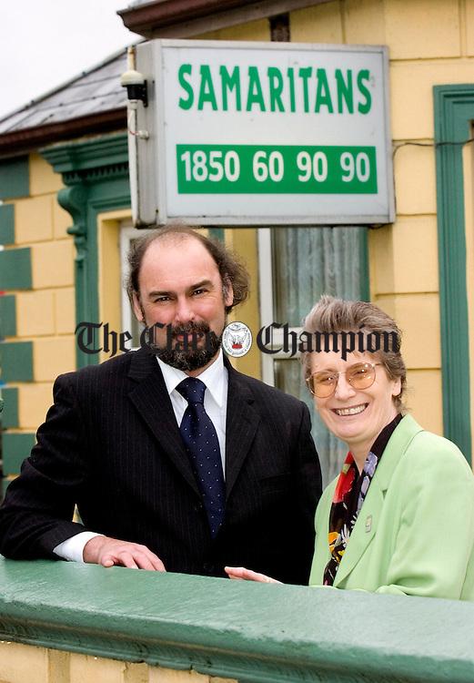 Steve Evan and Mary Lynch of Samaritans.Pic Arthur Ellis.