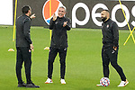 FC Shakhtar Donetsk's coach Luis Castro jokes with his assistants during training session. October 16,2017.(ALTERPHOTOS/Acero)