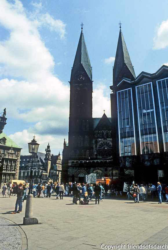 Bremen: Marktplatz--Cathedral and Parliament Building. Photo '87.