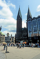 Bremen: Marktplatz--Cathedral and Parliament Building. Photo '87.