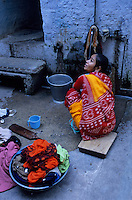 Asie/Inde/Rajasthan/Udaipur: Femme lavant le linge
