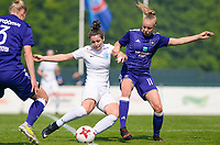 20180501 - TUBIZE , BELGIUM : Anderlecht's Sarah Wijnants (right) pictured in a duel with Genk's Nathalie Weytjens (left) during a womensoccer game between  RSC Anderlecht Dames and KRC Genk Ladies , during play-off 1 , at the Euro 2000 Center in Tubize , tuesday 1 st May 2018 . PHOTO SPORTPIX.BE | DAVID CATRY