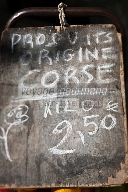 Europe/France/Corse/2B/Haute-Corse/Cap Corse/Nebbio/Bastia: Marché, Place du Marché _  Ardoise vantant les produits corse
