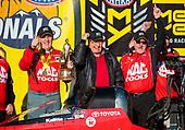 Doug Kalitta, Mac Tools, top fuel, victory, celebration, trophy, Connie Kalitta, crew
