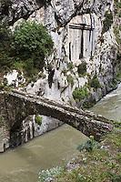 Europe/France/Provence-Alpes-Côtes d'Azur/06/Alpes-Maritimes/Alpes-Maritimes/Arrière Pays Niçois/ Env de Saorge: Pont et Plaque dans les Gorges de Saorge dans la Vallée de la Roya