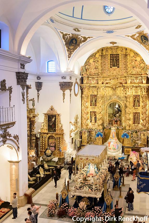 Thron mit Maria in der Kirche San Francisco der  Bruderschaft Paso Azul bei  der Semana Santa (Karwoche) in Lorca,  Provinz Murcia, Spanien, Europa