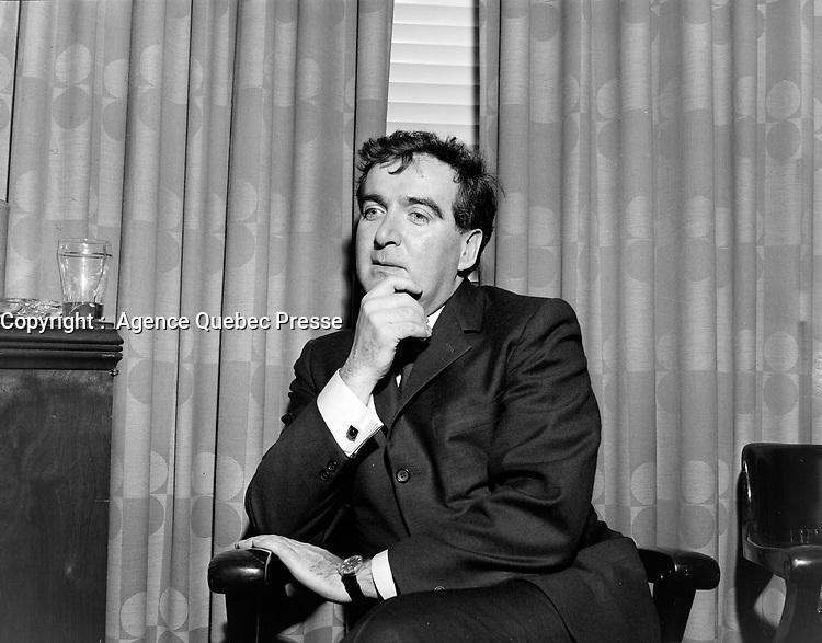 Le dramaturge et scenariste quebecois, Marcel Dube<br /> Date : 12 mai 1967<br /> <br /> Photographe : Photo Moderne