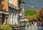 Italy, Piedmont, Cannobio: picturesque small town with historical old town, seaside promenade with cafés and restaurants | Italien, Piemont, Cannobio: malerisches Staedtchen mit historischem Altstadtkern, Uferpromenade mit Restaurants und Cafés