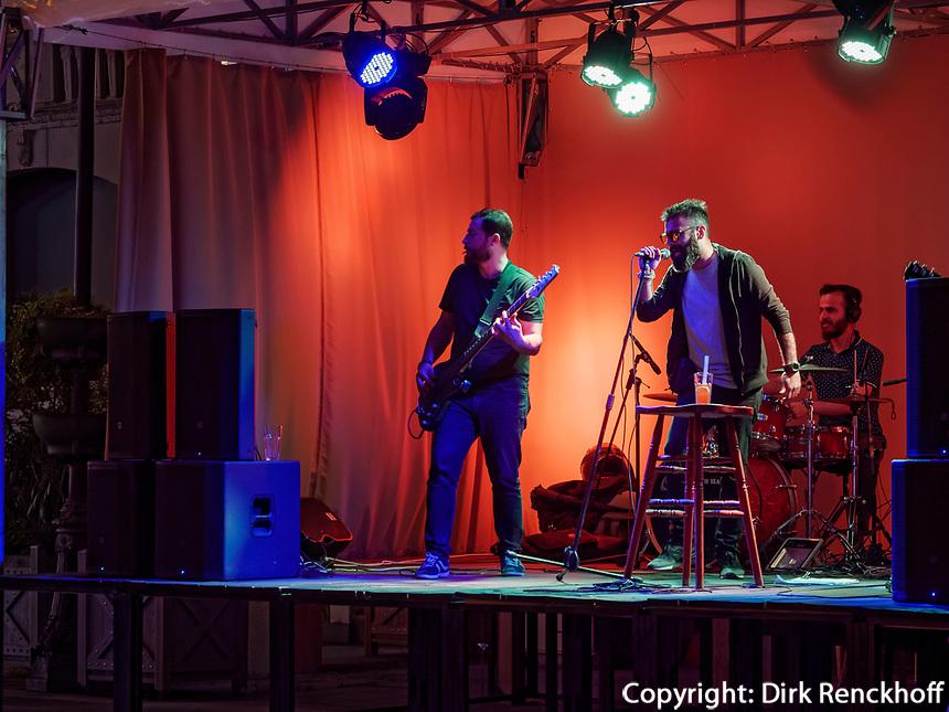 Free Space Band an der Piazza, Batumi, Adscharien - Atschara, Georgien, Europa<br /> Free Space Band at Piazza,  Batumi, Adjara,  Georgia, Europe