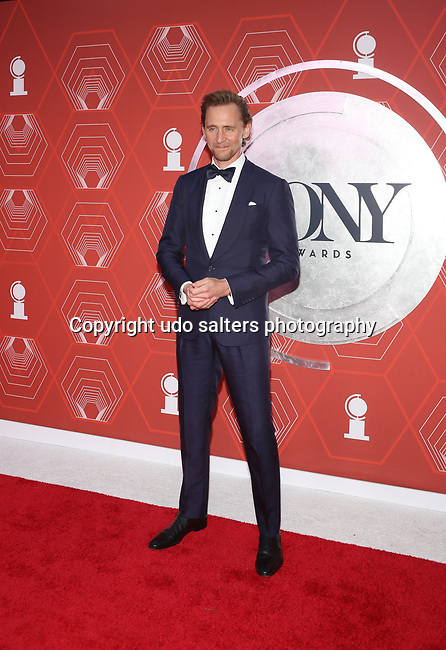 Tom Hiddleston attends the 74th Tony Awards-Broadway's Back! arrivals at the Winter Garden Theatre in New York, NY, on September 26, 2021.