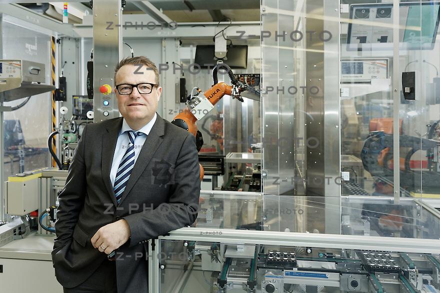 Ralph Müller, CEO von SCHURTER Gruppe  Entwicklung, Herstellung und Fertigung von elektronischen Komponenten fotografiert am 4. März 2016 im Hauptsitz in Luzern<br /> <br /> Copyright 2016 © Zvonimir Pisonic