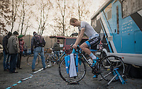 Although it's just about freezing, Kevin Pauwels (BEL/Marlux-NapoleonGames) warms up sufficiently to do so in his under-shirt<br /> <br /> 2016 CX UCI World Cup Zeven (DEU)