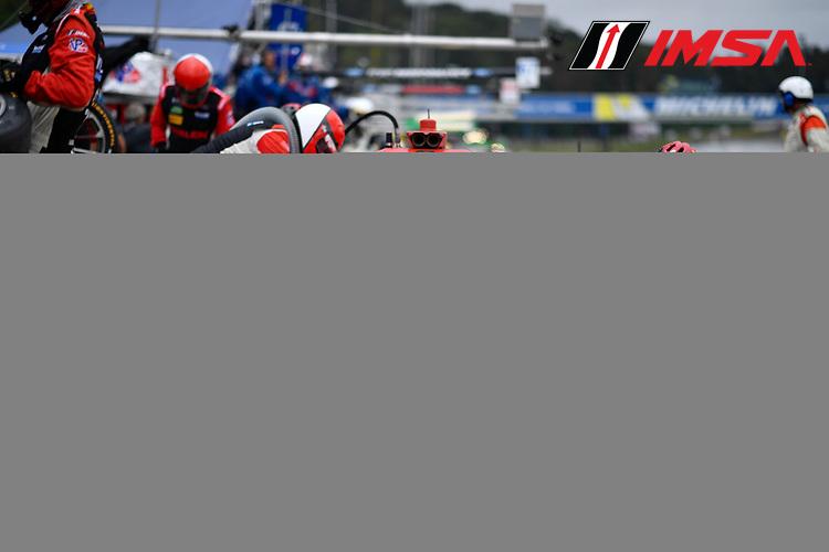 IMSA WeatherTech SportsCar Championship<br /> Motul Petit Le Mans<br /> Road Atlanta, Braselton GA<br /> Saturday 7 October 2017<br /> 31, Cadillac DPi, P, Dane Cameron, Eric Curran, Michael Conway pit stop.<br /> World Copyright: Richard Dole<br /> LAT Images<br /> ref: Digital Image RDPLM301