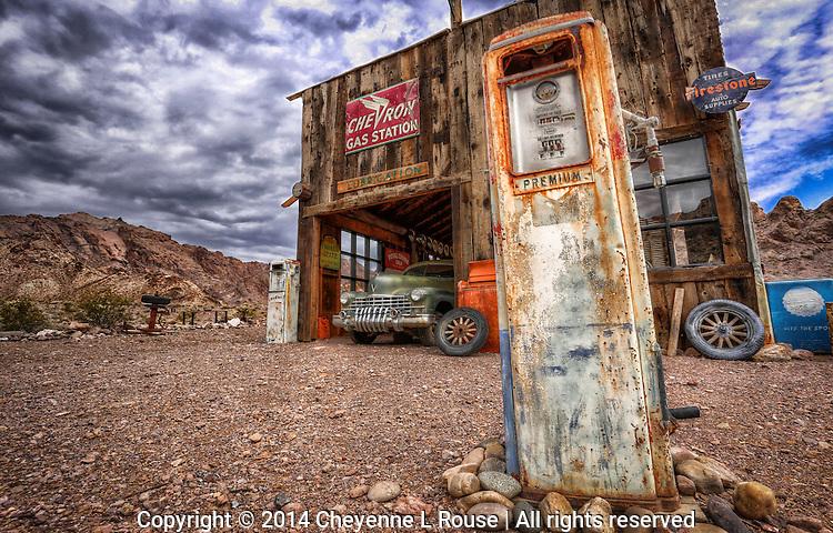 Longing for simpler times - Southwest - Old garage & gas pumps