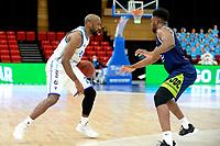 10-04-2021: Basketbal: Donar Groningen v ZZ Leiden: Groningen, Donar speler Justin Watts met Leiden speler Emmanuel Nzekwesi