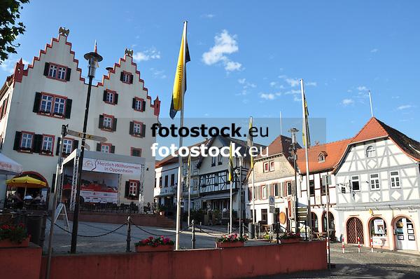 Hauptplatz Oppenheim mit Rathaus