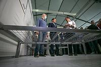 SAO PAULO, SP, 27/03/2020 - Coronavirus Hospital de Campanha -SP- O Governador Joao Doria e o Prefeito Bruno Covas vistoriam as obras de instalacao do hospital de campanha, no estadio do Pacaembu em Sao Paulo, SP, nesta sexta-feira (27). (Foto: Marivaldo Oliveira/Codigo 19/Codigo 19)
