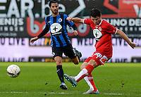 KV Kortrijk - Club Brugge : Stijn De Smet (r) voor Lior Refaelov (links) <br /> Foto VDB / Bart Vandenbroucke