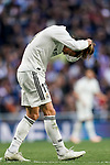 Gareth Bale of Real Madrid ties his hair up during the La Liga 2018-19 match between Real Madrid and Real Valladolid at Estadio Santiago Bernabeu on November 03 2018 in Madrid, Spain. Photo by Diego Souto / Power Sport Images