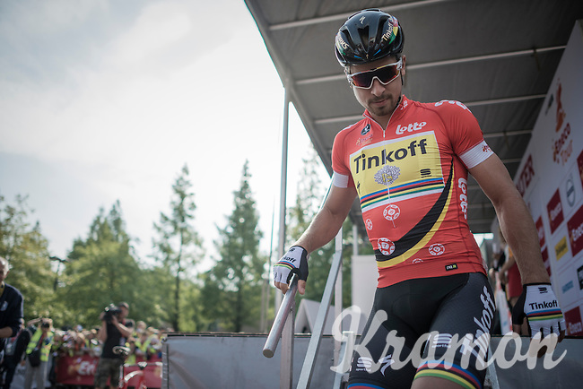 World Champion Peter Sagan (SVK/Tinkoff) just signed on<br /> <br /> 12th Eneco Tour 2016 (UCI World Tour)<br /> stage 4: Aalter - St-Pieters-Leeuw (202km)