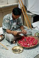 Verkauf von Blumenketten (Mala),  Bombay (Mumbai), Indien