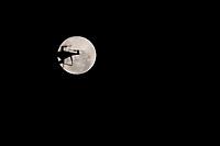 Campinas - SP, 09/03/2020 - Campinas (SP), 09/03/2020 - Superlua - O fenomeno da Superlua ocorre nesta segunda-feira (9). Vista nesta noite da cidade de Campinas (SP).. Foto: Denny Cesare/Codigo 19 (Foto: Denny Cesare/Codigo 19/Codigo 19)
