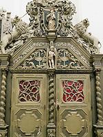 Innentür der Marienkirche in Rostock, Mecklenburg-Vorpommern, Deutschland