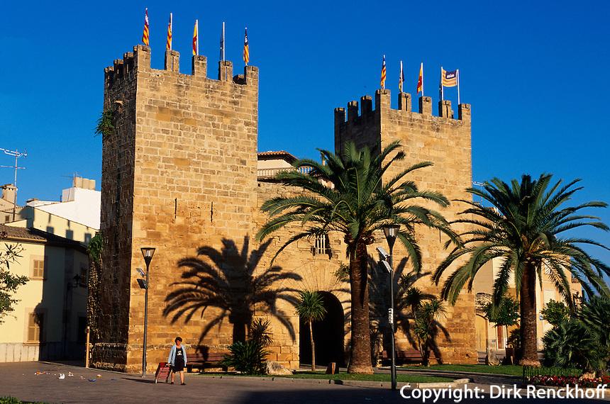 Spanien, Mallorca, Stadttor Porta del Moll o Kara in Alcudia