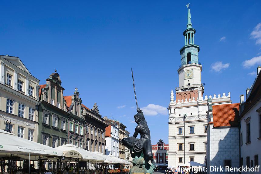 Rathaus am alten Marktplatz (Stary Rynek) in Posnan (Posen), Woiwodschaft Großpolen (Województwo wielkopolskie), Polen Europa<br /> townhall at Old Market Place (Stary Rynek) in Pozan, Poland, Europe