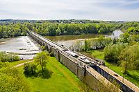France, Cher, Berry, Cuffy, Le Guetin, Canal du Guetin bridge from the lateral canal to the Loire above Allier River (aerial view) // France, Cher (18), Berry, Cuffy, Le Guétin, pont canal du Guétin du canal latéral à la Loire au dessus de l'Allier (vue aérienne)
