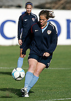 Cat Whitehill in action during the USA women's national team practice session at Montechoro Hotel soccer fields during the Algarve Women´s Soccer Cup 2008 in Albufeira, Portugal on March 09, 2008. Paulo Cordeiro/isiphotos.com