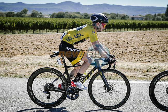Mitchelton-Scott with race leader Adam Yates (GBR) lead the peloton during Stage 6 of Tour de France 2020, running 191km from Le Teil to Mont Aigoual, France. 3rd September 2020.<br /> Picture: ASO/Pauline Ballet | Cyclefile<br /> All photos usage must carry mandatory copyright credit (© Cyclefile | ASO/Pauline Ballet)