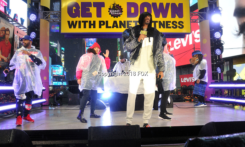 """NEW YORK - DECEMBER 31: Snoop Dogg rehearses for """"FOX'S New Years Eve with Steve Harvey: Live From Times Square"""" on December 31, 2018 in New York City. (Photo by Stephen Smith/Fox/PictureGroup)"""