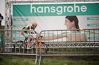 Jelle Schuermans (BEL/Crelan-Vastgoedservice) being laughed at?<br /> <br /> Noordzeecross - Middelkerke 2016