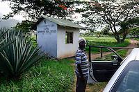 TANZANIA Tanga, Usambara Mountains, Sisal farming and industry, D.D. Ruhinda & Company Ltd., Mkumbara Sisal estate, watch man / TANSANIA Tanga, Sisal Industrie, D.D. Ruhinda & Company Ltd., Mkumbara Sisal estate, Wachmann