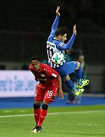 Wendell, Mathew Leckie /   / general viel, Spielszene  /      <br /> / Sport / Football Football / DFL 1. Bundesliga Bundesliga  /  2017/2018 / 20.09.2017 / Hertha BSC Berlin vs. Bayer 04 Leverkusen 170920005 /  *** Local Caption *** © pixathlon<br /> Contact: +49-40-22 63 02 60 , info@pixathlon.de