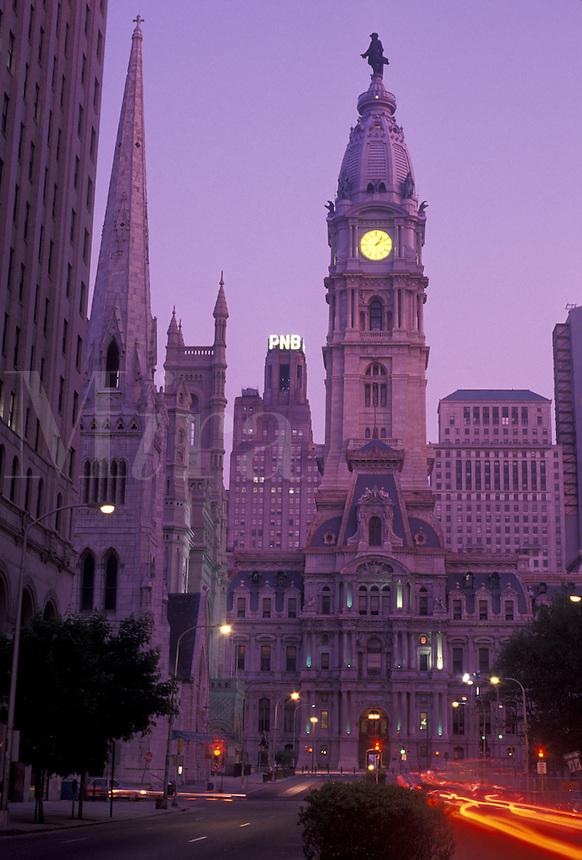 AJ4297, Philadelphia, downtown, city hall, Pennsylvania, City Hall in downtown Philadelphia at night in the state of Pennsylvania.