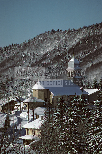 Europe/France/Franche Comté/39 /Jura/Belle Fontaine: le village sous la neige - Parc Naturel Régionnal du Haut Jura  //  France, Jura, Bellefontaine, the village in the  snow , Jura Mountains Regional Natural Park