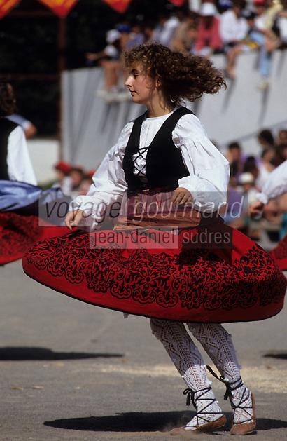 """Europe/France/Aquitaine/64/Pyrénées-Atlantiques/Saint-Palais: Festival """"Force Basque"""" - Danses folkloriques [Non destiné à un usage publicitaire - Not intended for an advertising use]"""