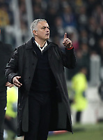 Football Soccer: UEFA Champions League -Group Stage-  Group H - Juventus vs Manchester United, Allianz Stadium. Turin, Italy, November 07, 2018.<br /> Manchester United's coach José Mourinho speaks to his players during the Uefa Champions League football soccer match between Juventus and Manchester United at Allianz Stadium in Turin, November 07, 2018.<br /> UPDATE IMAGES PRESS