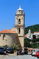 Römische (vorne) und griechische Kirche in Cargese, Korsika, Frankreich