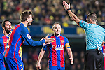 Gerard Pique Bernabeu of FC Barcelona argues with the referee during their La Liga match between Villarreal and FC Barcelona at the Estadio de la Cerámica on 08 January 2017 in Villarreal, Spain. Photo by Maria Jose Segovia Carmona / Power Sport Images