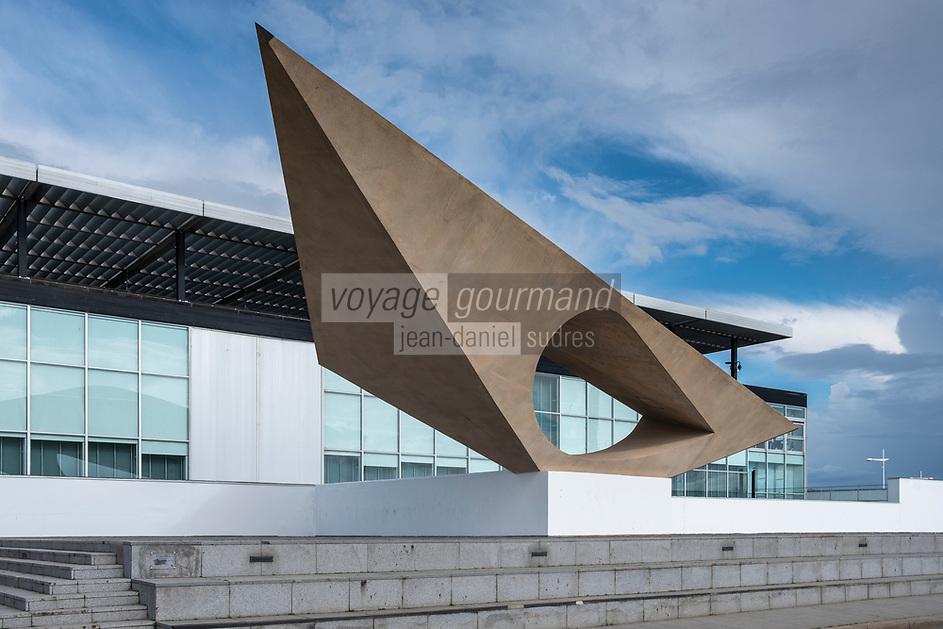 Europe/France/Haute-Normandie/76/ Le Havre : Le musée d'art moderne André-Malraux (MuMa) est un musée des beaux-arts situé au Havre à l'entrée du port. Grâce à de nombreux dons, legs et achats de la ville, il possède la plus riche collection de peintures impressionnistes en province .  //  Europe / France / Haute-Normandie / 76 / Le Havre: The Musée d'art moderne André Malraux (also known as Musée Malraux and simply MuMa) is a museum in Le Havre, France containing one of the nation's most extensive collections of impressionist paintings.[1][2] It was designed by Atelier LWD, an architecture studio led by Guy Lagneau, Michel Weill and Jean Dimitrijevic. T
