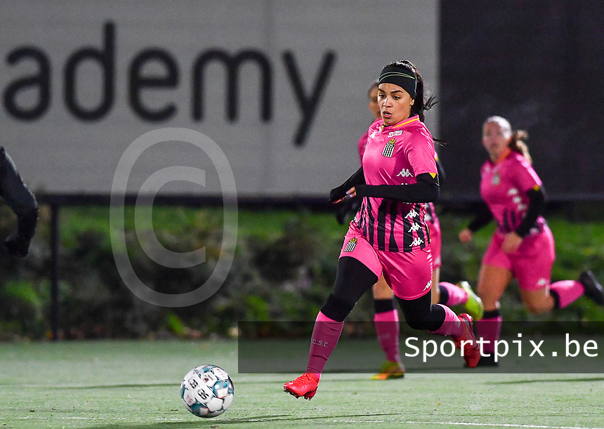 Yasaman Farmani (6 Charleroi) pictured during a female soccer game between Sporting Charleroi and Eendracht Aalst on the 8th  matchday of the 2020 - 2021 season of Belgian Scooore Womens Super League , friday 20 th of November 2020  in Marcinelle , Belgium . PHOTO SPORTPIX.BE | SPP | DAVID CATRY