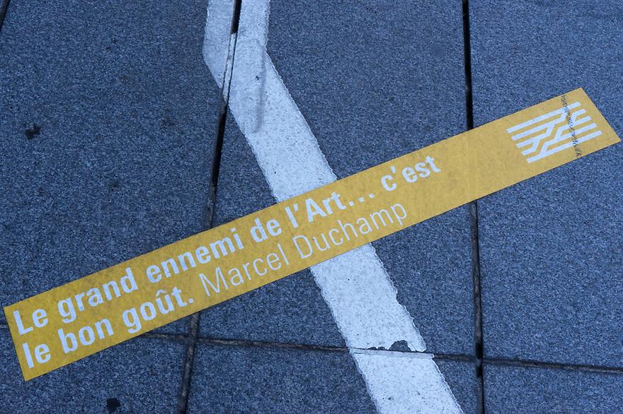 Parigi 7 agosto 2020.  In viaggio verso la Bretagna e il Supertramp. All'ingresso del Centre Pompidou.