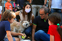 The mayor of Rome Virginia Raggi with her husband Andrea Severini, her son Matteo and their dog during a picnic at Caffarella park, in occasion of the election campaign for the new mayor of the city.<br /> Rome (Italy), September 12th 2021<br /> <br /> Photo Samantha Zucchi Insidefoto